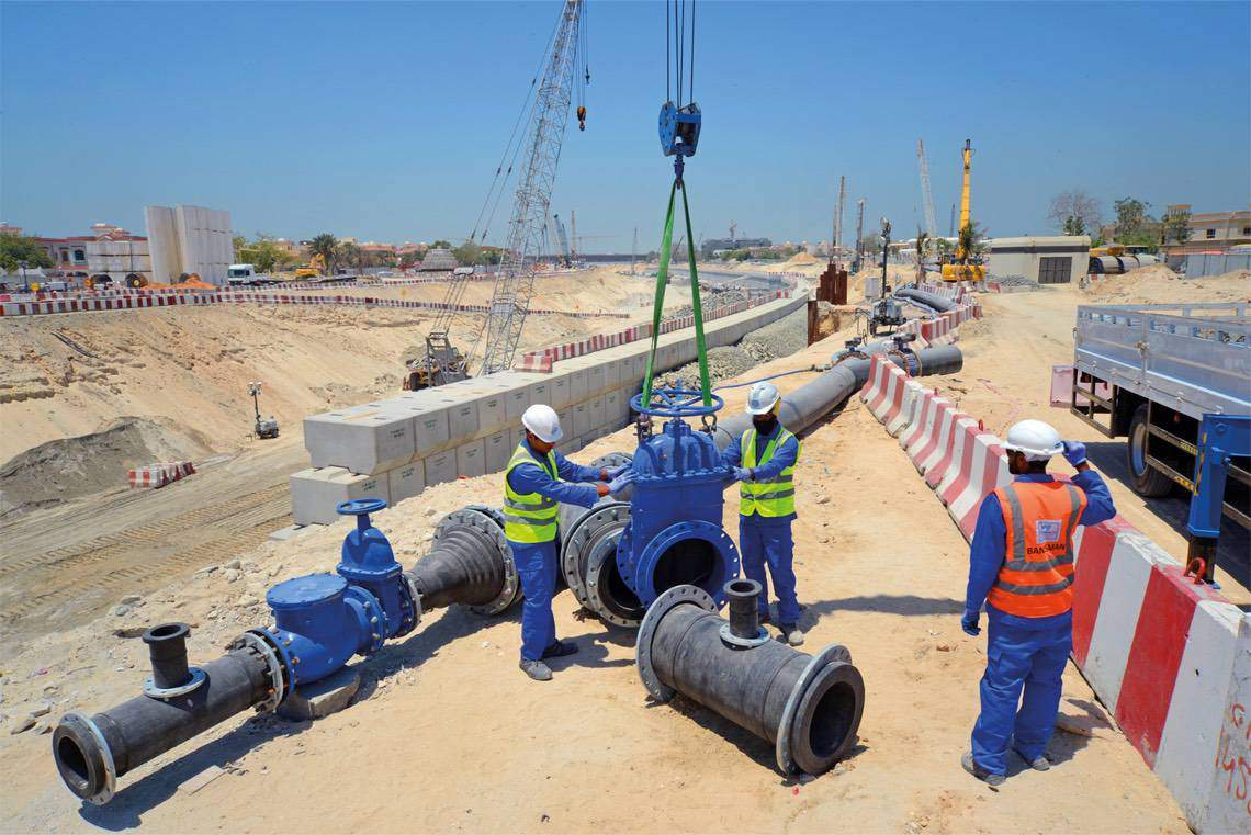 WJ Middle East installing HDPE Pipeline